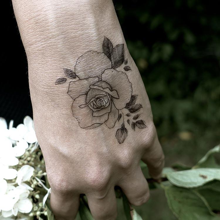 tatouage temporaire rose et fleur de lotus tatouage temporaire personnalis l 39 unit. Black Bedroom Furniture Sets. Home Design Ideas